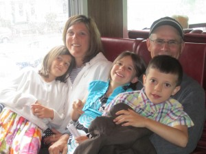 Abigail, Loretta, Grace, Caleb and Douglas Miller. Photo by Wende Carr