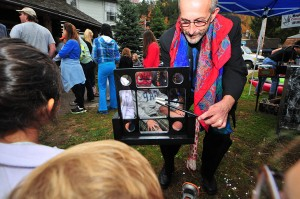 Magician Jim Okey Photo by Dave Scranton